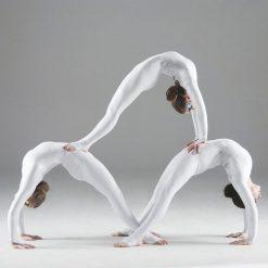 All female acrobat troupe