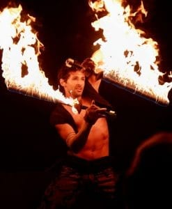 fire performers paris