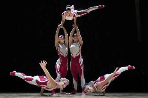 All female acrobatic troupe