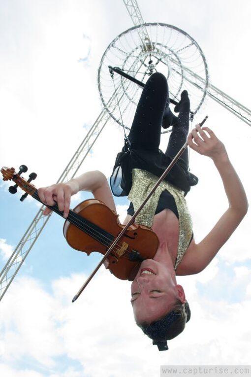 aerial musicians