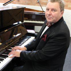 Pianist Roger