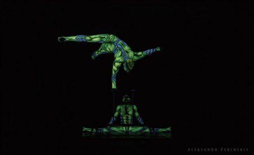 alien acrobats