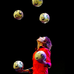 Football juggler stijn