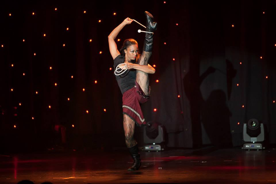 circus performer sara 1