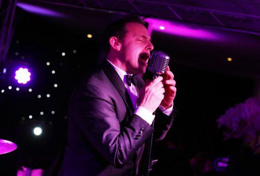 Swing Singer Steve