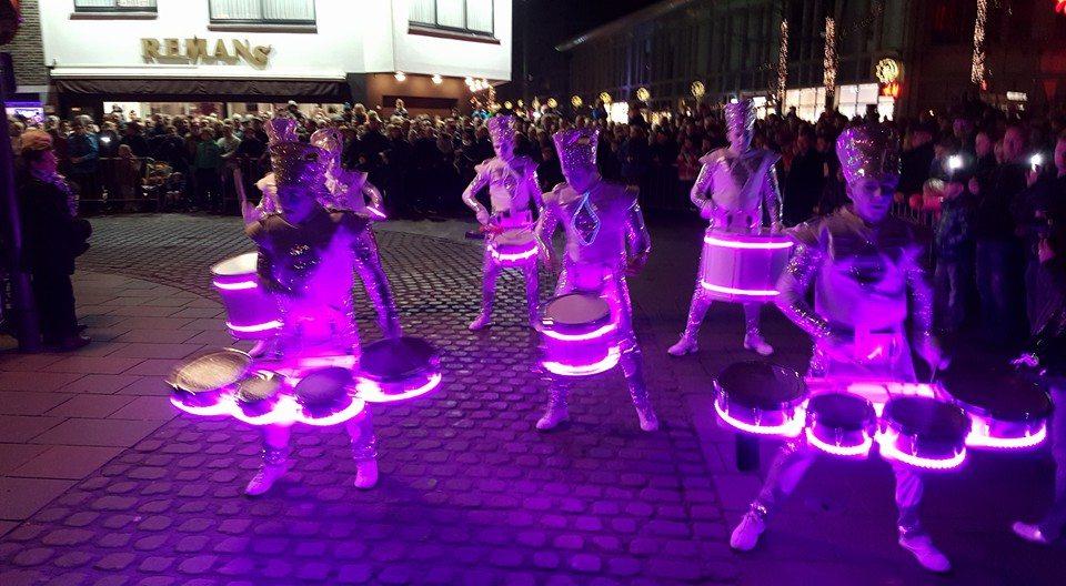 Lighting drums