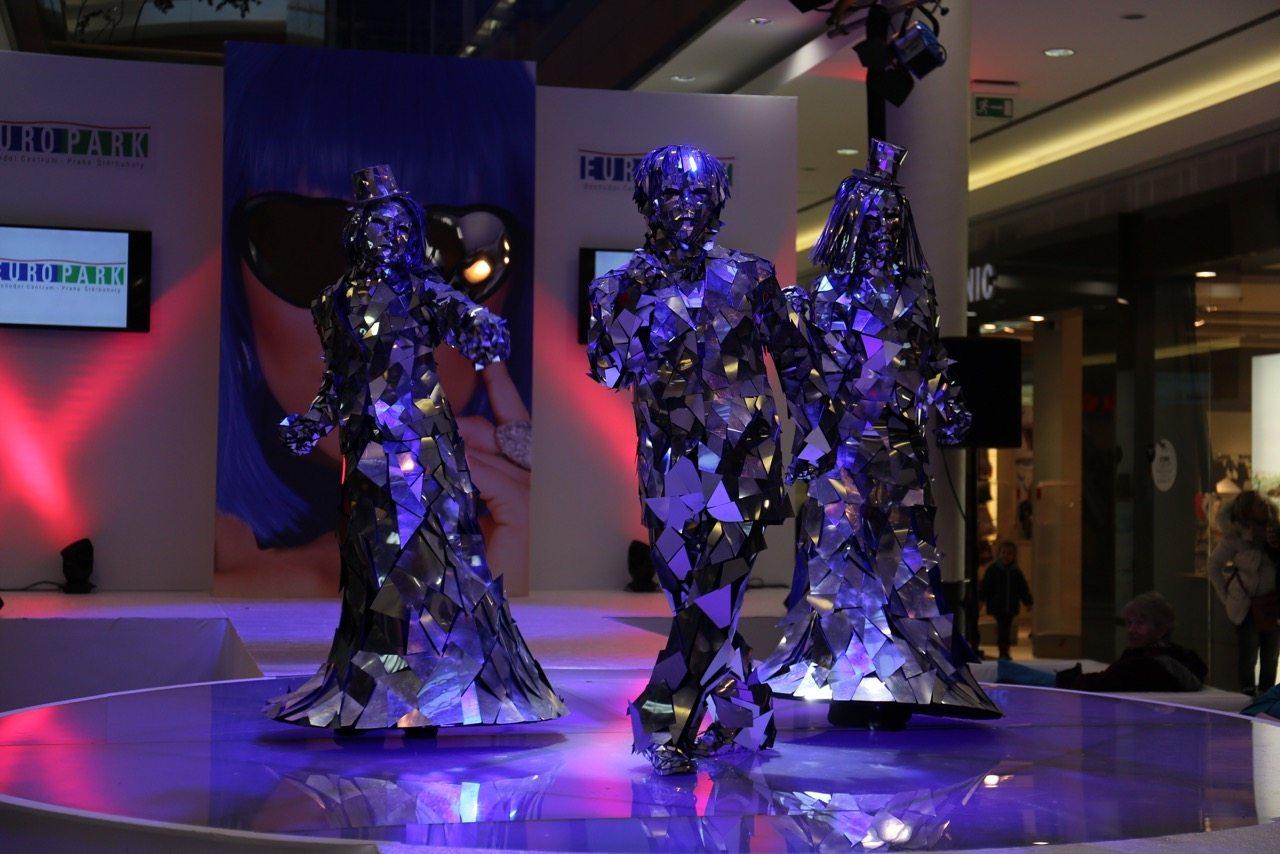 Mirror Dance Show