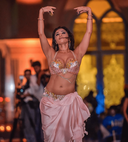 belly dancer UAE