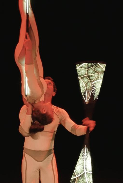 Light Acrobats