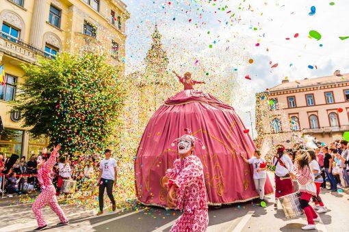 Giant Dress Performer
